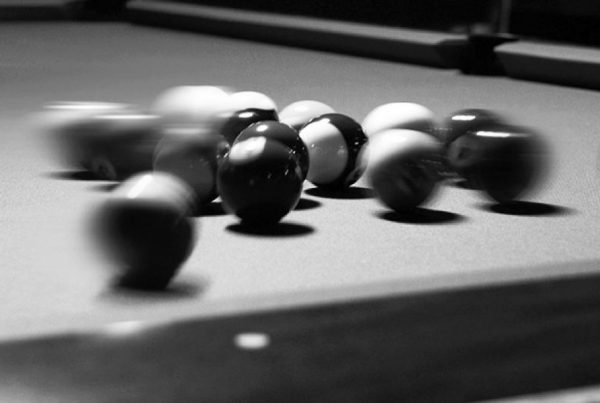 pool-break-1195085_V2-900x600
